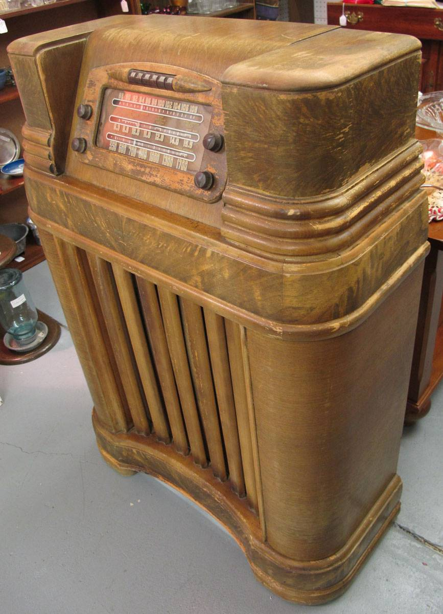 Ac Unit Prices >> Chassis, Tubes, Speaker, Bolts of Philco Radio 46-480