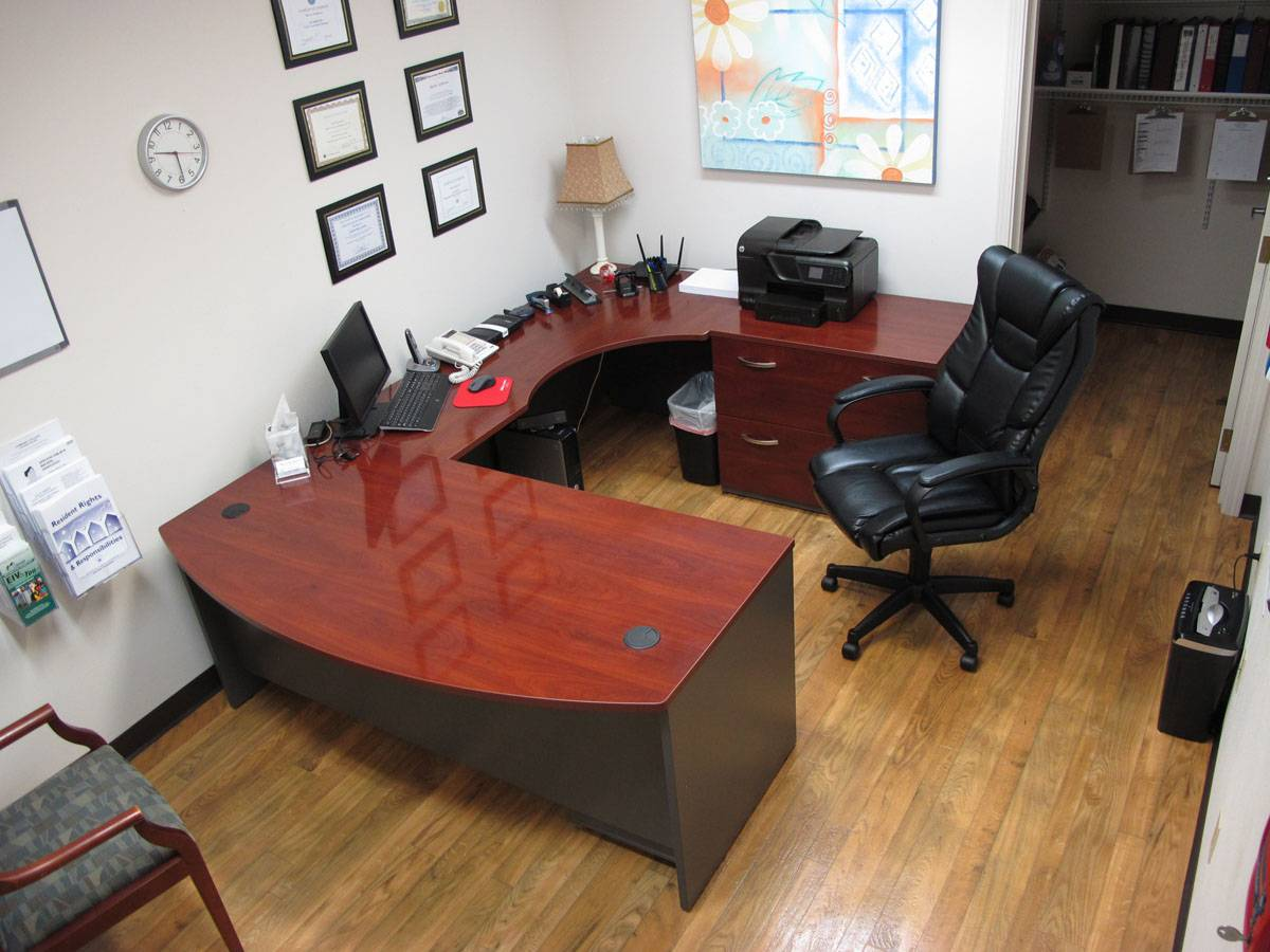 U Shape Executive Office